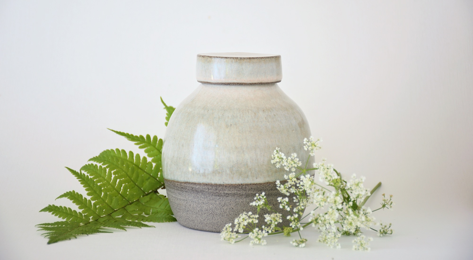 Artemis creates handmade ceramic urns in which you can stylishly preserve and cherish the ashes of a beloved person or pet